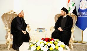 Sayyid Ammar al-Hakim with President of the General Conference of the Feyli Kurds to discuss the developments of political situation and security imposition in areas at issue